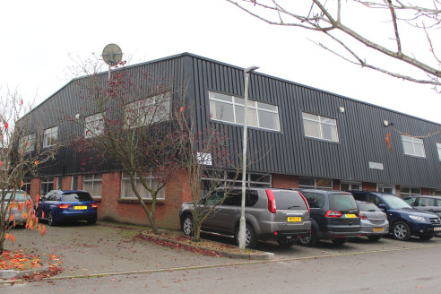 The property comprises first floor office space situated on the popular Kingsclere Park Estate.   The first floor space has been split into six partitioned rooms and an open plan area to the middle. The space includes carpet to the floors, painted wa...