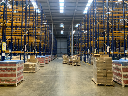 For Sale - Extensive High Quality Distribution / Warehouse Unit