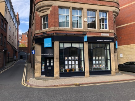 The building comprises an attractive brick built property under a pitched roof with office accommodation on two upper floors, a return frontage double retail unit on the ground floor and basement storage. The unit is predominantly open plan with a sm...