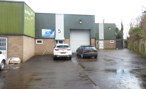 Modern industrial unit situated on a small estate of 6 units.\n\n* Large shared concrete service yard\n* Prominent main road location\n* Good access to the M1 motorway\n* Established commercial location\n\nEPC\n\nD90\n\nViewing\n\nAs a result of curr...