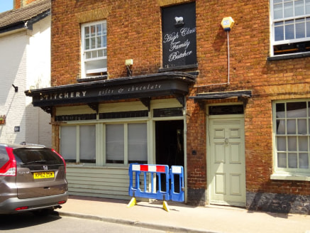 Charming commercial unit in Thames side village- FREEHOLD OR TO LET