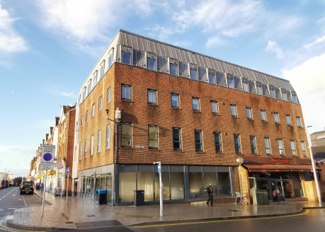 The property comprises a return frontage retail unit in a prominent position, over ground floor and basement, with independent access via The Broadway.<br><br>The building has been extensively renovated to convert the upper floors to flats, together...