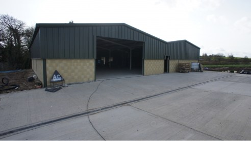 Location<br><br>Draycot Cerne holds an excellent location approximately 1 mile from Junction 17 of the M4 motorway and the A350. Chippenham is 3 miles to the south.<br><br>Access to the building is gained via the B4122. The building directly adjoins...