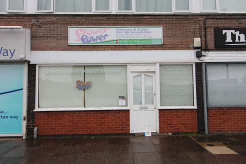 Self-Contained Ground Floor Office/Retail Premises in WEDNESFIELD - Total NIA 700 ft2 (65.03 m2)...