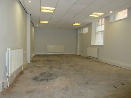 PRIME RETAIL UNIT**RECENTLY REFURBISHED**<br><br>****AVAILABLE FROM &pound;1,000 PER MONTH SUBJECT TO TERM****<br><br>**LOW RATEABLE VALUE**<br><br>An opportunity to rent or buy a prime commercial unit set at the heart of Workington town centre.<br><...