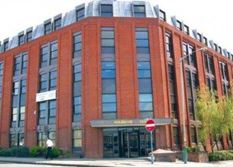 Holbrook House is a modern 5 storey office building centrally located within walking distance of Swindon's mailine railway station, central bus staion and main shops and restaurants. The offices are accessed via a newly re-modelled reception and bene...