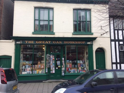 Popular and profItable book shop * Freehold buIldIng * FIrst floor flat * 176.7 sq m (1,902 sq ft) Property DescrIptIon LOCATION LlanIdloes Is a town on the A470 and B4518 roads In Powys. The town Is posItIoned In mId Wales, approxImately 22.2km (35....