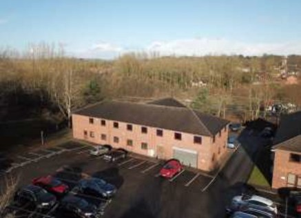 Modern business park setting, adjacent to A38 and approximately 3 miles from J28 of the M1 Motorway. First Floor air conditioned offices. 20 car parking spaces....