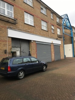 The premises comprise a single fronted shop-front. The unit benefits from a WC and kitchenette with a mezzanine floor and rear parking.  A prominent position on the North Side of Roman Road market, on the junction with St Stephen's Road.  A number of...