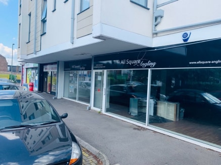 Large retail unit next to Addlestone Station - New lease