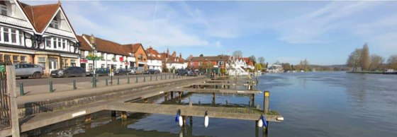 The property occupies a superb riverside location close to the finish line of the Henley Regatta rowing course and Henley Bridge. A traditional two storey building dating from the 17th century, the property has in recent years been the location of Th...