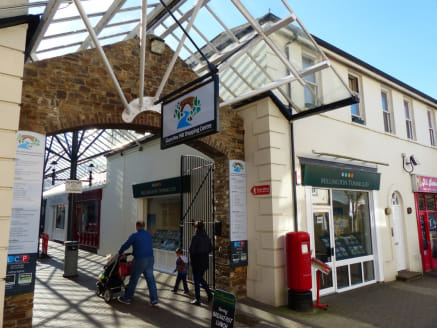<p>Ivybridge is an attractive Devon market town, with a catchment within a 15-minute drivetime of approximately 78,490. Located approximately 12 miles to the east of Plymouth, 21 miles to the south-west of Newton Abbott and 29 miles to the south-west...