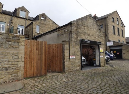 LOCATION\n\nThe property occupies a prominent end parade position on Albert Road, the main arterial route into the centre of Colne, benefiting from a good level of passing traffic. A number of established occupiers are within the near vicinity includ...