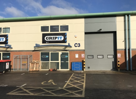 The property comprises a mid-terrace modern steel portal frame industrial/warehouse unit with a high quality specification to include internal blockwork and external brickwork to lower elevations and insulated cladding, up to 6m eaves under an insula...