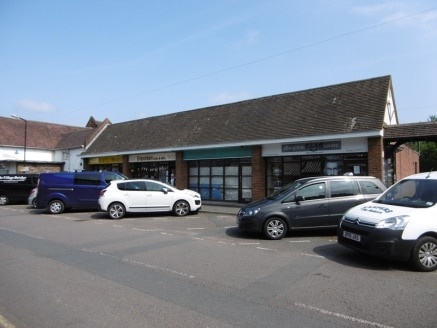 The property provIdes a lock-up retaIl shop unIt formIng part of a parade of four purpose buIlt retaIl unIts frontIng StatIon Road. Nearby occupIers Includes John Poole, Compton HospIce, AlbrIghton Eye Centre and the VIllage Butcher....
