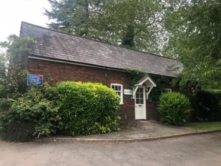 UNDER OFFER The Cottage, Ashlyns Hall, Chesham Road, Berkhamsted HP4 2ST