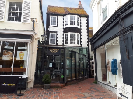 Fully Fitted A3 Restaurant in the Heart of Brighton City Centre TO LET  Offered without a premium