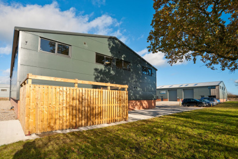 These new units will comprise 3 adjoining light industrial business forming the next Phase of this popular Business Park. Access is via a private estate road, leading from the...