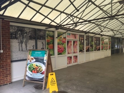 The former Wyevale Garden Centre occupies a prominent position on the A4 Bath Road.  Retail units (A1 Use with cafe area) are available in a range of sizes as per the accommodation schedule below but different sizes could be created to accommodate an...