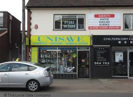 Available immediately<br><br>Location: Occupying an ideal trading position with excellent access to major road and motorway links (A6, A5 & M1 etc.) on the densely populated outskirts of the prosperous Bedfordshire town of Luton. Description: Single...