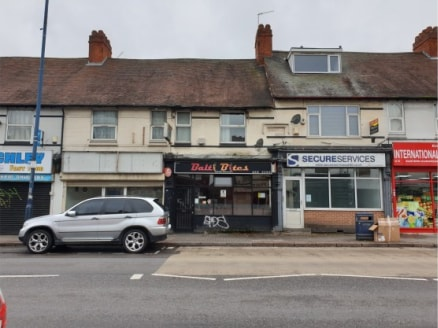 GROUND FLOOR TAKEAWAY RENTAL INCOME £13,200 PAX RETAIL SALES AREA 34.5 SQ. M / 372 SQ. FT (APPROX) REAR ACCESS TO A FIRST FLOOR 2 BED FLAT APPROX. 34.5 SQ. M / 372 SQ....