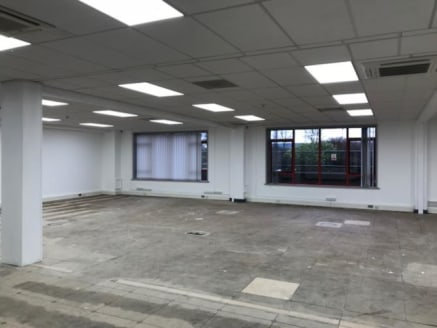 The property comprIses part of the former LancashIre EvenIng Post premIses, whIch was constructed In the late 1980's/early 1990's. The two storey Star offIce buIldIng has had the ground floor fully refurbIshed by the current owner and now benefts fro...