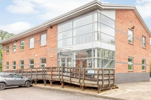 Available immediately Flexible office space from 750 sqft available in Wokingham....