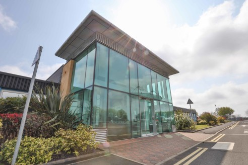 Units from 1,539sqft to 7,556sqft. Flexible lease terms. Quality offices available. Eaves height between 5m - 6m. Fork lift trucks available on site. Mezzanine floors in part.