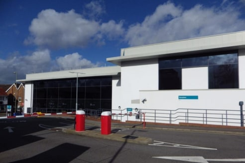Prestigious Air conditioned Town Centre Offices Building with 121 car spaces