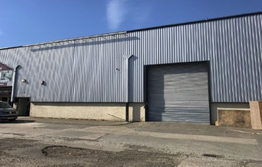 INCENTIVES AVAILABLE  The subject property is terraced steel portal frame unit with a profile sheet exterior, concrete brick and blockwork walls and a pitched roof with insulated cladding. Internally the property benefits from high bay combination so...