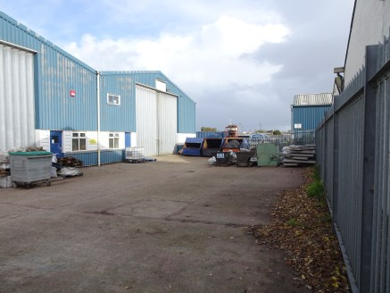 Industrial / Warehouse Premises To Let  378.34 - 782.08 sq m (4,072 - 8,417 sq ft)
