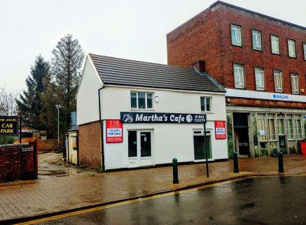 The property includes a recently refurbished ground floor retail unit which extends to approximately 1,085 sqft, also benefiting from a large glass frontage to the main High Street and a wide entrance doorway.   The property also includes a first-flo...