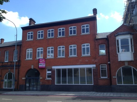 MODERN, luxury office within Birmingham's Jewellery Quarter being mostly open plan with directors office /...