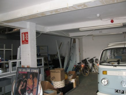 The premises of a self contained stores and workshop in a small little mews of other similar units. There is all clear space of 1,365 sq ft and the property does have its own toilet facilities. Location The property is located within the town of East...