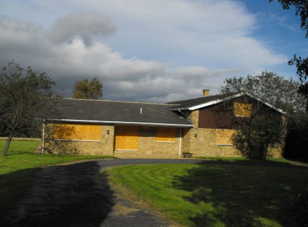 DESCRIPTION\n\nThe property built circa 1970 comprises a rectangular plot incorporating a detached Bungalow which would benefit from being updated.\n\nLOCATION\n\nThe property stands in the centre of Wigton Lane on the north side....
