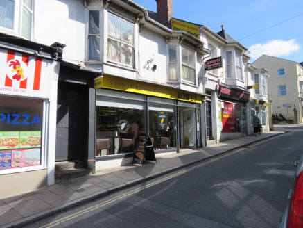 Retail premises, Prominent town centre location, Total Net Internal Area: 853 sq ft (79 sq m), Rent £9,000 pax