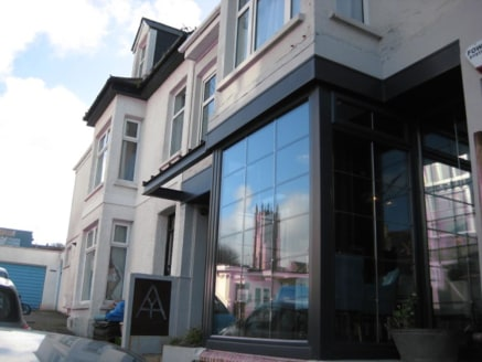 Freehold Wine Bar & Coffee House Located In Newquay For Sale\n\n3 Boutique Letting Rooms Above (en-suite)\n\nRecently Refurbished\n\nRef 2168\n\nLocation\n\nThis outstanding Wine Bar and Coffee Shop with Boutique Letting Rooms is located 55 yards fro...