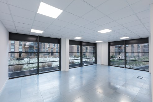 Masters Court offers 5 adjoining commercial units, each with ground and first floors ranging from 2,377 sq ft to 12,724 sq ft. The units have high ceilings and full floor to ceiling glazing. The units are in shell and core condition or can be fitted...