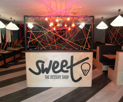 Independent Ice Cream & Dessert Parlour Located In Sutton Coldfield\nNewly Refurbished\nRef 2368\nLocation\nThis delightful Ice Cream & Dessert Parlour is located on the main (A5127) Birmingham Road in Sutton Coldfield. It stands within a prominent a...
