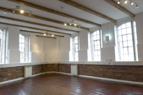 Converted character landmark building into high class offices. The suites provide varied internal features such as exposed original flooring, beams, brickwork and traditional carpeting. The suites benefit from lift access, on site car parking, buildi...