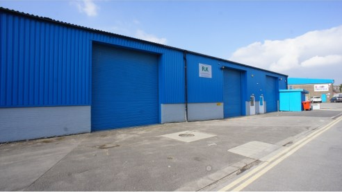 Headlands Trading Estate is located in North East Swindon, the town centre is approximately 2 miles to the south and Junction 15 of the M4 motorway is approximately 6 miles away.<br><br>Unit 3A is a recently refurbished terraced unit on this estate o...