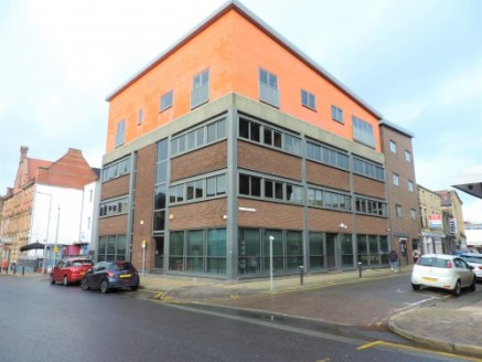 A quality self-contained office suite in a highly prominent location close to the job centre and various solicitors/accountants in Burnley Town Centre.\n\nThe property comprises of a ground floor office suite which has been occupied by Vedas Recruitm...