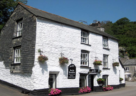 Freehold Bed & Breakfast/Cafe & Tea Rooms Located In Polperro\n3 Guest Bedrooms & Owners 1 Bedroom Accommodation\nTripAdvisor 5* Rated (Certificate of Excellence 2014, 2015, 2016, 2017 & 2018)\nRef 2348\n\nLocation\nThis delightful Bed & Breakfast st...