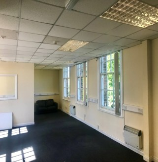 The Business Park consists of three independent buildings traditionally built of solid brick elevations under pitched and slated roof slopes.  The suites provide open-plan offices, benefiting from suspended ceilings, air conditioning and being fully...
