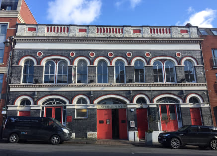 CHARACTER office suite in the JEWELLERY QUARTER which has been RECENTLY REFURBISHED - Total (NIA) 800 ft2 (113.06 m2)...