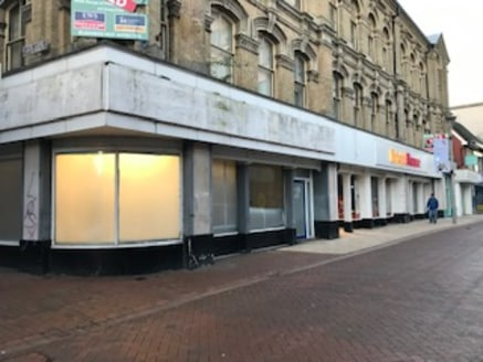 The unit comprises ground floor retail accommodation within an extensive 3 storey building and offers open plan space, additional basement storage and an extensive glazed façade fronting both Carr Street and Cox Lane.