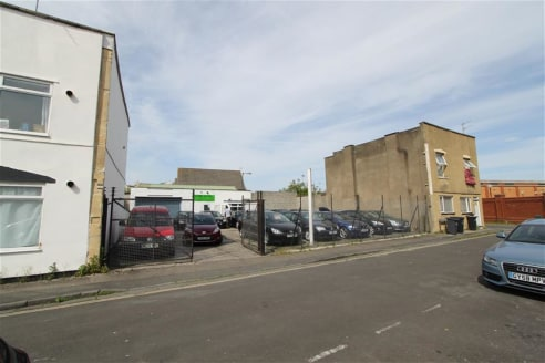 An opportunity to lease a light industrial unit (approx. 1,918 sq ft) with additional front forecourt occupying a site of approximately 0.11 acres. The property is situated in a predominantly residential area within close proximity to ASDA supermarke...