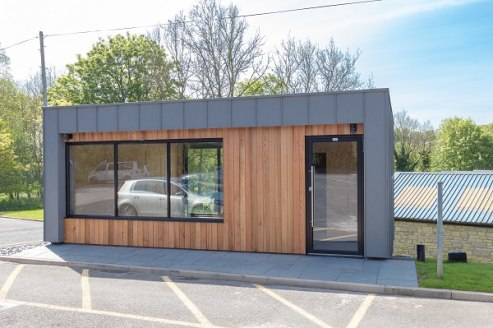 This brand new garden office is a contemporary self-contained office building arranged over one floor with balcony currently under construction. The property is clad in Zinc with aluminium double glazed windows and doors providing entrance lobby, ope...