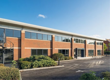 The building provides superb high quality offices with the scope to extend these internally with ancillary R&D/storage/business space finished to a very high standard. The property offers potential for a range of office and other B1/B8 users.  The bu...