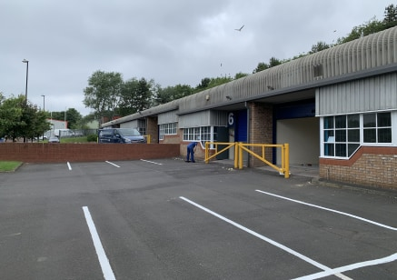 TO LET - INDUSTRIAL UNITS - NEWCASTLE UPON TYNE  LOCATION  The subject properties are located on Noble Street Industrial Estate approximately 0.5 miles to the West of Newcastle City Centre, just off the Scotswood Road, one of the main arterial routes...